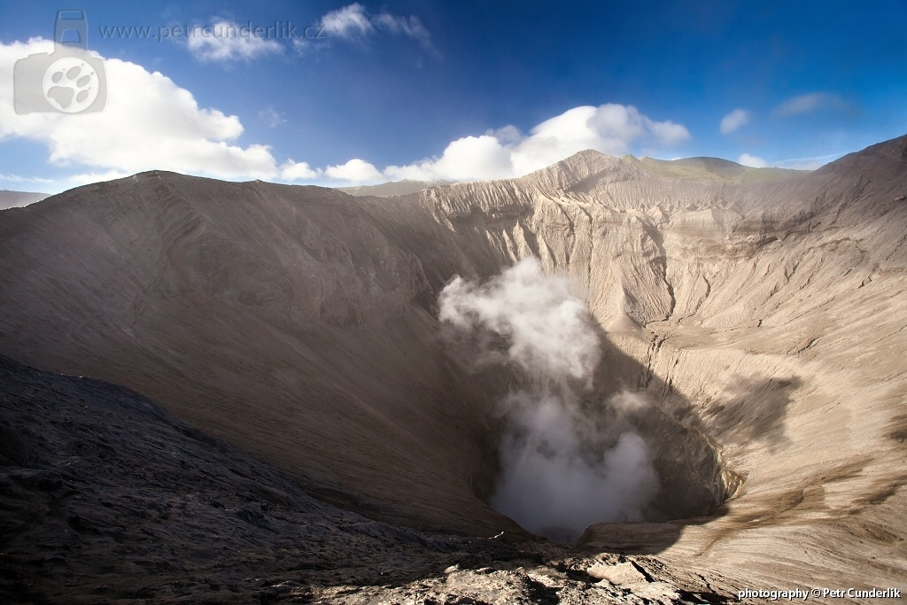 IMG_5756_pohled_do_krateru
